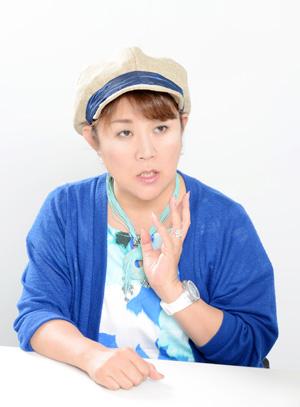 NHK の「好きなタレント調査」で8年連続1 位を記録した山田邦子さん。2007 年、乳がんになり手術をする。以後、「がん」についての講演などを精力的に行い、2008年には〝がん撲滅〟を目指す芸能人チャリティ組織「スター混声合唱団」を結成し、以後団長を務めている。2008 年〜2010 年には厚生労働省「がんに関する普及啓発懇談会」メンバーとして活躍。リカちゃんキャッスル25 周年記念アンバサダー(2018年5月3日〜2019 年5月2日)としても活動中