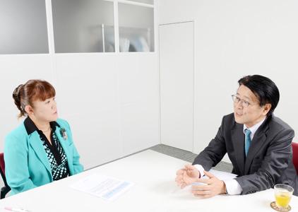 インタビューは9月26日(水)、太田プロダクション大会議室において行われた。