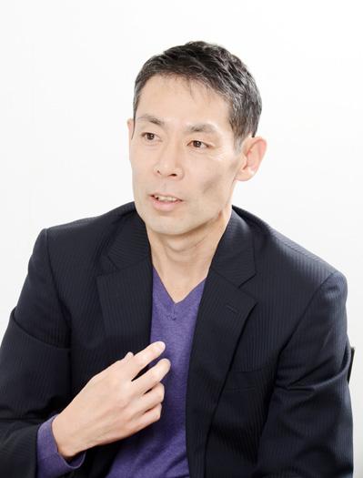 大久保淳一(おおくぼ・じゅんいち) 1964 年東京都に生まれる。2007 年に精巣がん(精巣腫瘍)を患い、腹部・肺・首に転移。後に抗がん剤の合併症により難治性の間質性肺炎を患うが、闘病を乗り越え、会社と仕事に復帰。2013年6月には悲願の「サロマ湖100km ウルトラマラソン」への復帰を果たした。闘病していた当時、周囲の方々の温かいサポートにより社会に復帰することができた。その経験から「社会に恩返ししていきたい」と願い、2015 年に「5years」を設立し、患者さんのサポートにあたっている。著書に『いのちのスタートライン』(講談社)がある。NPO 法人5years:https://5years.org ミリオンズライフ:http://www.millions.life/