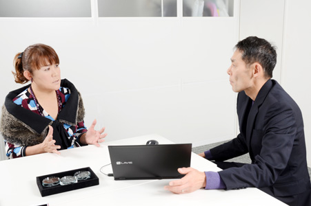 インタビューは12 月20 日(木)、太田プロダクション大会議室において行われた