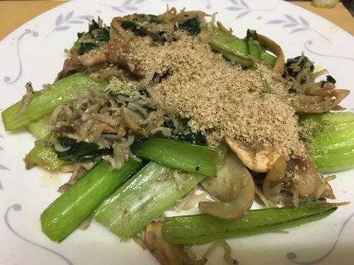 アガリクスと小松菜のカルシウム炒め