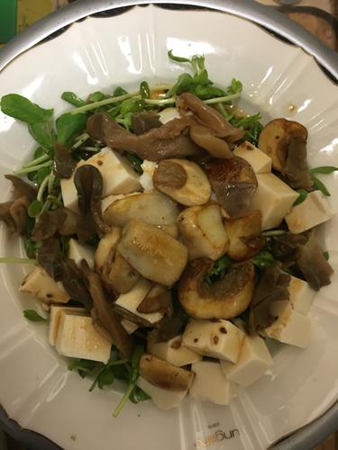 アガリクスと豆腐の中華サラダ