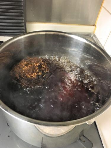 写真2 沸騰してきたら火を弱めさらに10分間煮ました