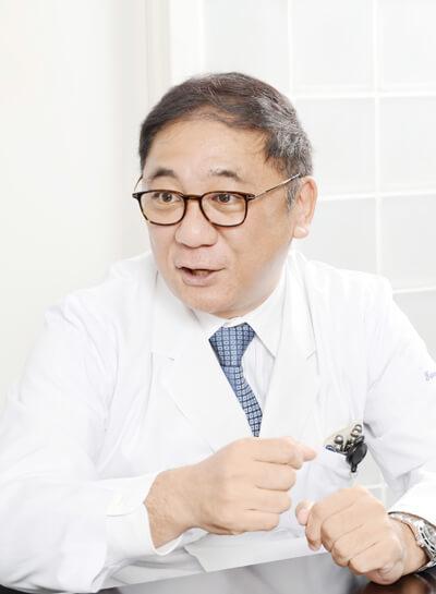 谷川啓司(たにがわ・けいし) ビオセラクリニック院長。1964 年生まれ。防衛医科大学校卒業後、東京女子医科大学消化器外科入局、1996 年東京女子医科大学消化器外科医療練士修了。専門は消化器外科、腫瘍外科。米ミシガン大学医学部腫瘍外科において免疫細胞療法、遺伝子治療の研究にsenior research fellow として従事し、医師・大学院生に免疫療法の研究を指導。1999 年東京女子医科大学消化器外科帰局後、外科医としてだけでなく癌免疫細胞療法チームとして癌免疫細胞療法の臨床研究に携わる。樹状細胞ワクチン、樹状細胞腫瘍内局注療法など多数の臨床試験を開始。東京女子医科大学にて医学博士号取得後、2001 年ビオセラクリニック開設。日本外科学会認定医、日本消化器外科学会認定医、日本ハイパーサーミア学会認定医。著書に『がんを告知されたら読む本』(プレジデント社)がある。
